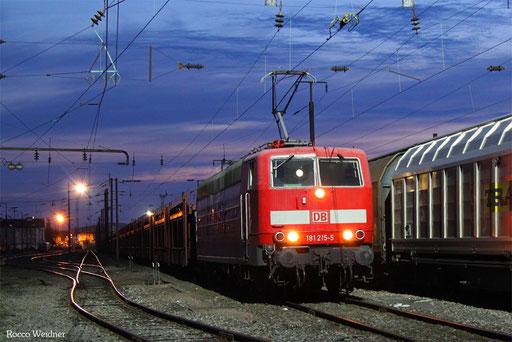 181 215 mit GA 43983 (Boucou) Forbach/F - Passau Gbf (Curtici/RO) (Sdl. leere Laes), 31.03.2017