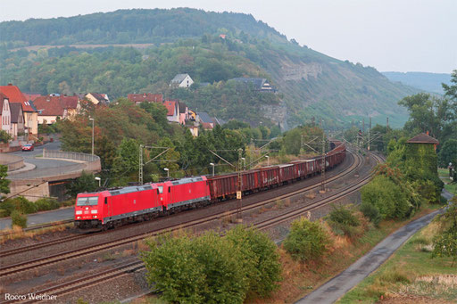 DT 185 390 + 185 372 mit GM 45192 (Linz Stahlwerke) Passau Grenze - Düsseldorf Hafen (Sdl.leere Eaos)