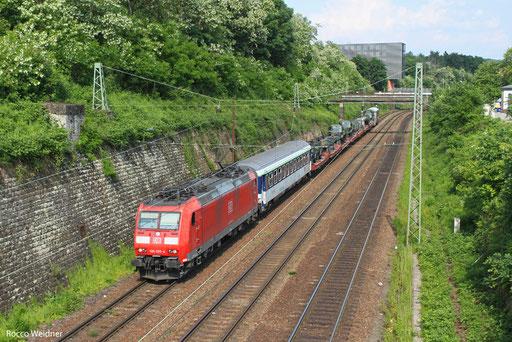 185 025 mit M 62894 Pausau Grenze - Forbach/F (Sdl. Militär), Saarbrücken 08.06.2013