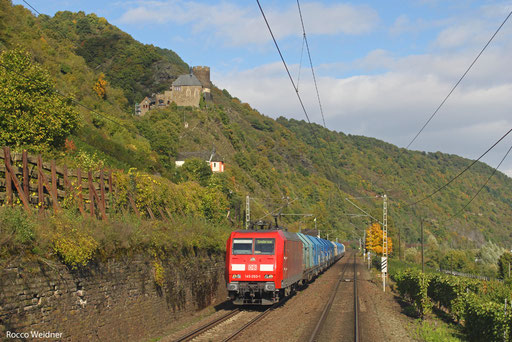 145 050 mit GM 98493 (Cottbus) Lehrte West - Forbach/F (Lens) (Sdl. Kupfer in PKP- Shimmns), Moselkern 15.10.13
