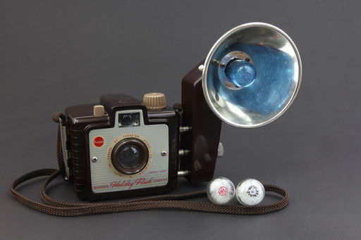 KODAK Brownie Holiday Flash Model  ©  engel-art.ch