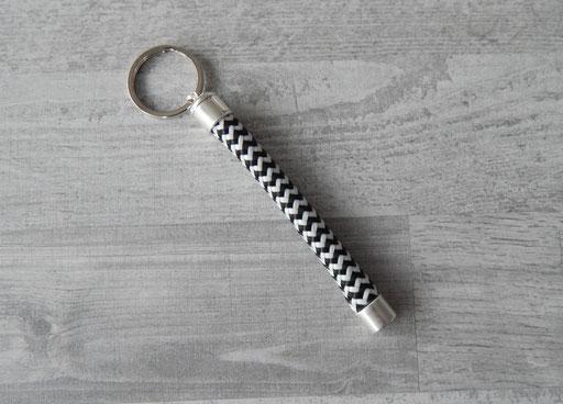 Schlüsselanhänger Segeltau Farbe schwarz-weiß