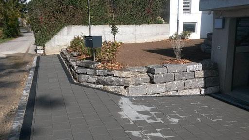 Naturstein Quarzsandstein Flachblöcke Trockenverbauung