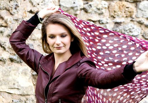 Danse avec foulard