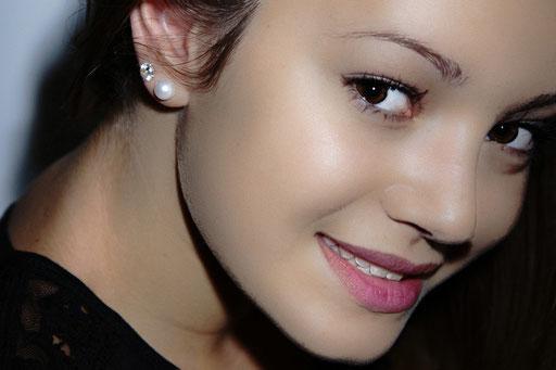 Portrait profil de jeune fille
