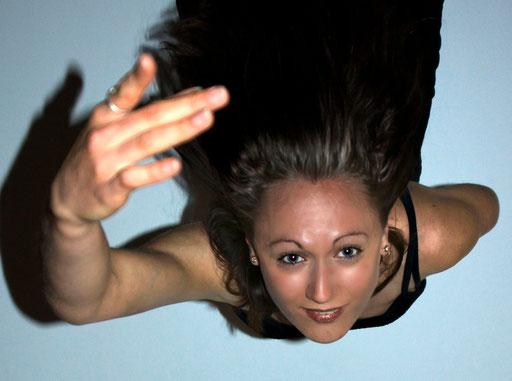 Vue aérienne de la chevelure et du visage de femme