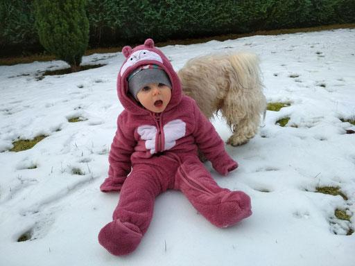 ... spielen im Schnee ... 2,1J
