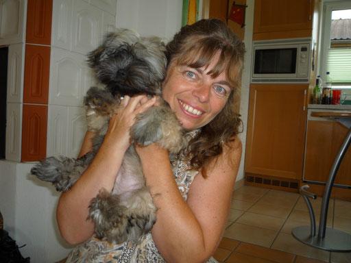... und meine Hunde-Omi Marion ... cool ... 16 Wo