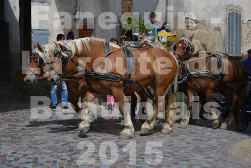 La Route Du Beaujolais 2015 - dimanche 24 mai 2015 - parcours et arrivée place d'un village - 34