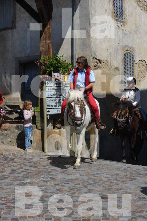 La Route Du Beaujolais 2015 - dimanche 24 mai 2015 - parcours et arrivée place d'un village - 71