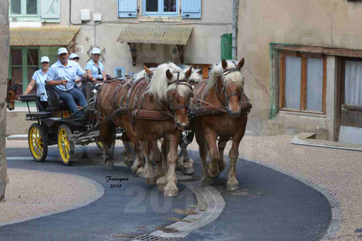 La Route Du Beaujolais 2015 - dimanche 24 mai 2015 - parcours et arrivée place d'un village - 06