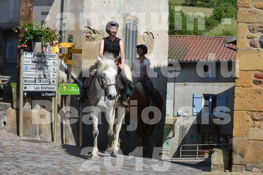 La Route Du Beaujolais 2015 - dimanche 24 mai 2015 - parcours et arrivée place d'un village - 56