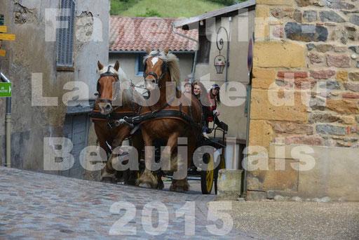 La Route Du Beaujolais 2015 - dimanche 24 mai 2015 - parcours et arrivée place d'un village - 12
