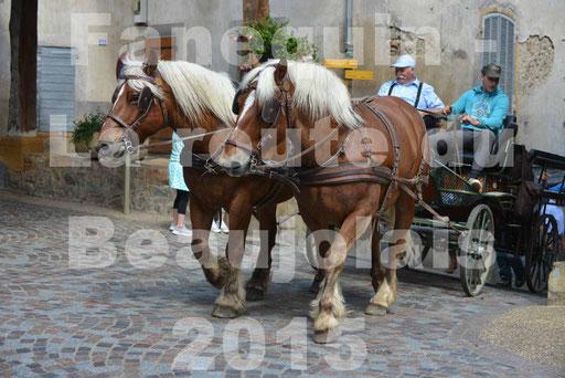 La Route Du Beaujolais 2015 - dimanche 24 mai 2015 - parcours et arrivée place d'un village - 30