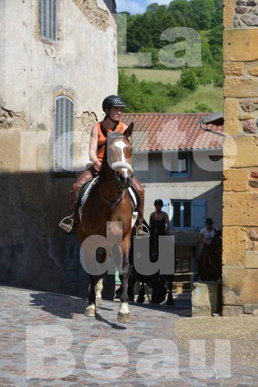 La Route Du Beaujolais 2015 - dimanche 24 mai 2015 - parcours et arrivée place d'un village - 58