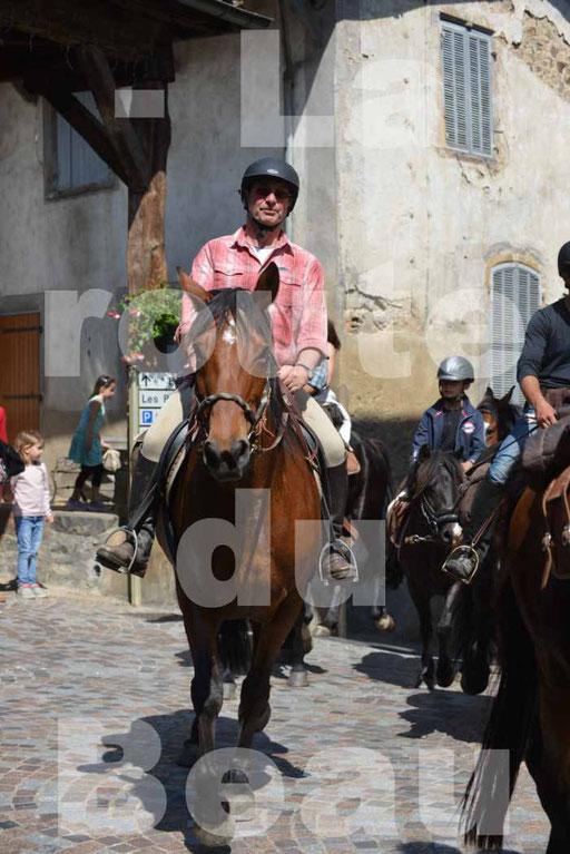 La Route Du Beaujolais 2015 - dimanche 24 mai 2015 - parcours et arrivée place d'un village - 48
