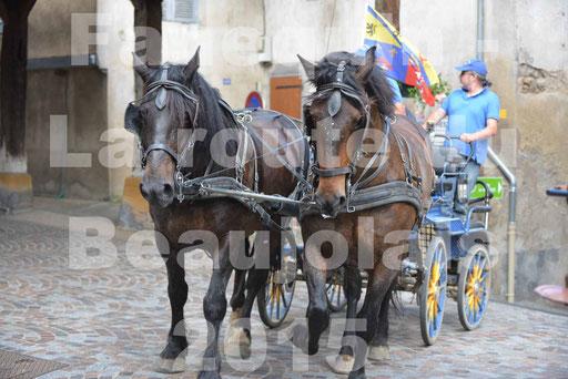 La Route Du Beaujolais 2015 - dimanche 24 mai 2015 - parcours et arrivée place d'un village - 10