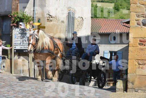 La Route Du Beaujolais 2015 - dimanche 24 mai 2015 - parcours et arrivée place d'un village - 72
