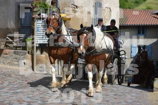 La Route Du Beaujolais 2015 - dimanche 24 mai 2015 - parcours et arrivée place d'un village - 37