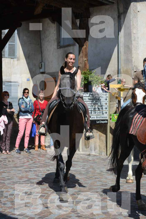 La Route Du Beaujolais 2015 - dimanche 24 mai 2015 - parcours et arrivée place d'un village - 49