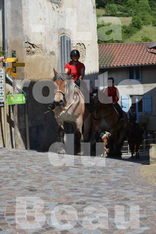 La Route Du Beaujolais 2015 - dimanche 24 mai 2015 - parcours et arrivée place d'un village - 64