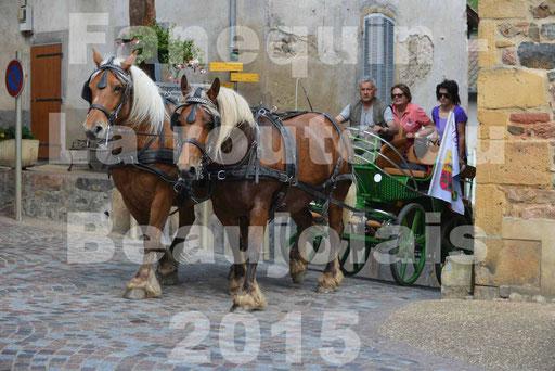 La Route Du Beaujolais 2015 - dimanche 24 mai 2015 - parcours et arrivée place d'un village - 25