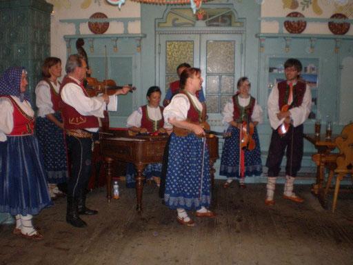 Ein Folklore-Abend im Restaurant Libušín