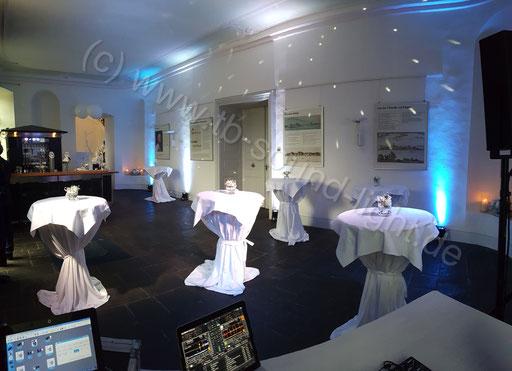 Hochzeits DJ Neuwied im Schloss Engers - das Foyer mit Tanzfläche