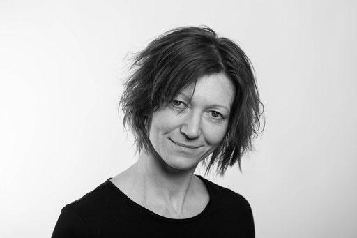 Corinna Setzer, Osteopathin für Säuglinge, Kinder, Jugendliche und Erwachsene