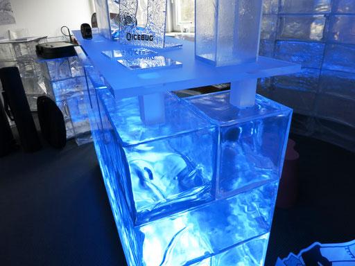Acryl-Eis 19