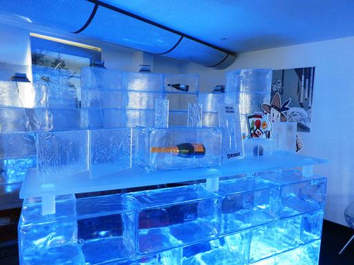 Acryl-Eis 24