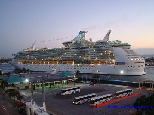 Enchentment of the Seas - Port Everglades/Miami