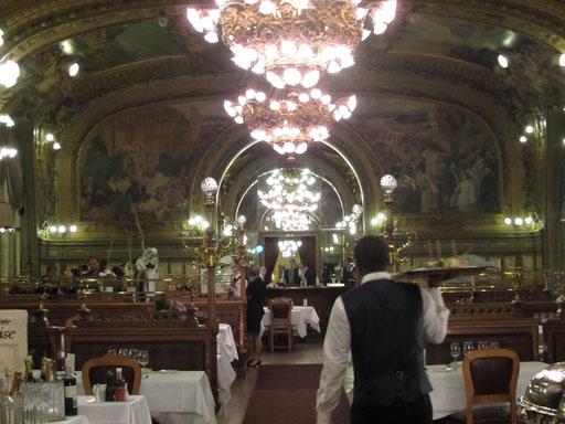 リヨン駅内のレストラン 高級感!ここが駅の中?