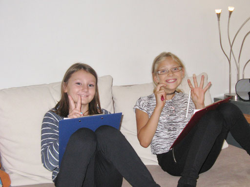 Team-Besprechung auf dem Sofa