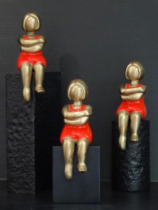 Boudeuse sur mur et boudeuse sur cylindre - Bronze  - 800 € pièce