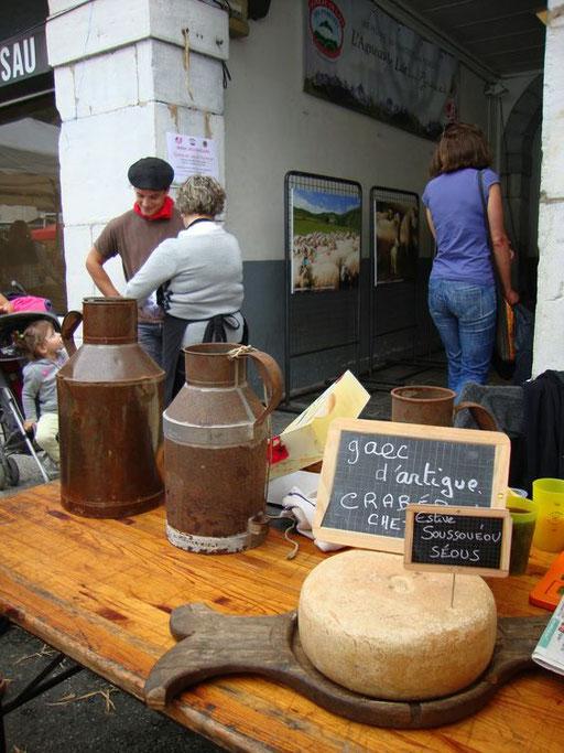 Marché traditionnel de Laruns - www.le-refuge-des-marmottes.com
