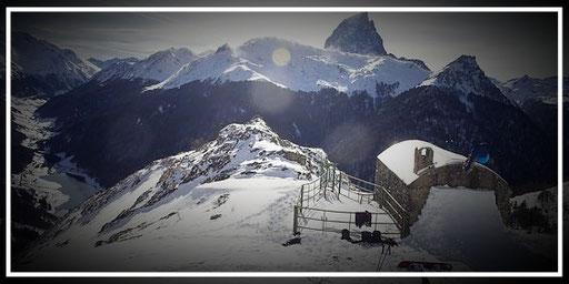 Le Pic du Midi d'Ossau depuis la station de ski d'Artouste - www.le-refuge-des-marmottes.com