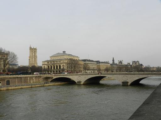 Place du Châtelet et Seine