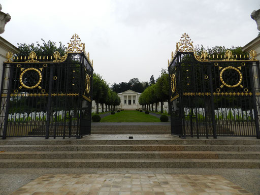 American cemetery of Suresnes
