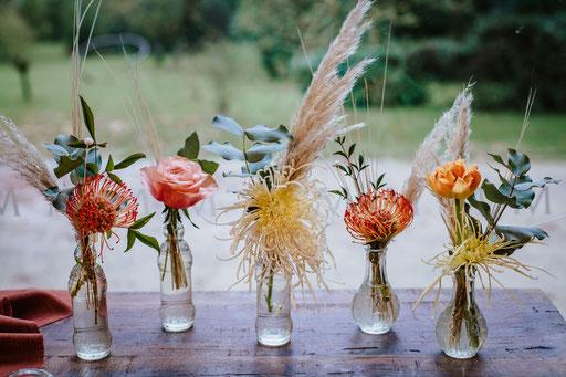 ensemble de petites fioles disponibles à l'atelier.