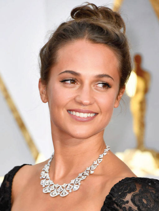 Alicia Vikander in Bulgari