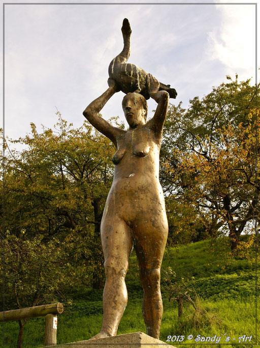 Frau mit Gans 1998