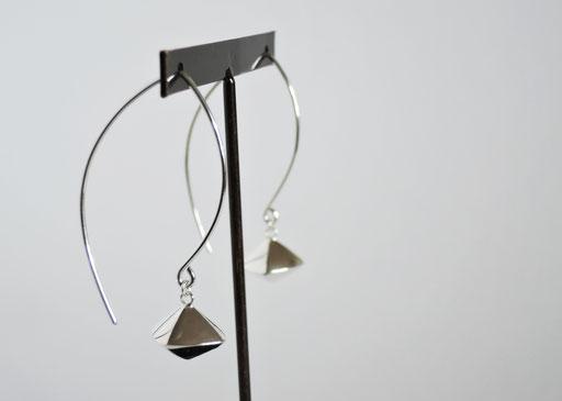 fundo- / pierced earrings