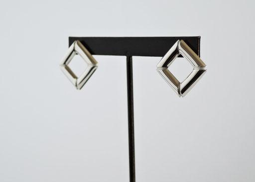 irori / pierced earrings
