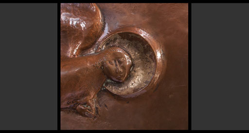 »Die vier geflügelten Wesen - Mensch« (Detail) Tabernakelumkleidung, Treibarbeit in Kupfer, 1953-54