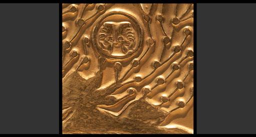 »Zweifelnde beraten« (Detail) Tabernakelumkleidung, Treibarbeit in Kupfer, feuervergoldet, 1963-64