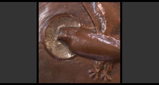 »Die vier geflügelten Wesen - Adler« (Detail) Tabernakelumkleidung, Treibarbeit in Kupfer, 1953-54