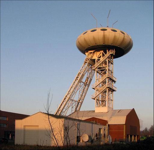 Das Colani-Ei ist die futuristische Neugestaltung eines Förderturms der ehemaligen Steinkohlenzeche Minister Achenbach in Lünen-Brambauer. Symbolträchtige Landmarke und attraktives Fotomotiv für den Strukturwandel ist das weithin sichtbare, futuristisch a