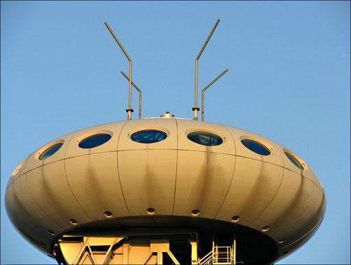 """Symbolträchtige Landmarke und attraktives Fotomotiv für den Strukturwandel ist das weithin sichtbare, futuristisch anmutende """"Ufo""""von Star-Designer Prof. Luigi Colani."""