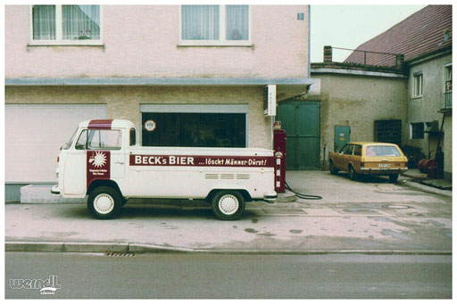 VW Transporter Beschriftung am ehemaligen Firmensitz der Firma Werndl jun. in Neu-Ulm Burlafingen.